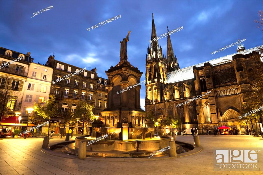 Stock Photo: France, Puy-de-Dome Department, Auvergne Region, Clermont-Ferrand, Place de la Victoire, Cathedrale-Notre-Dame, evening.