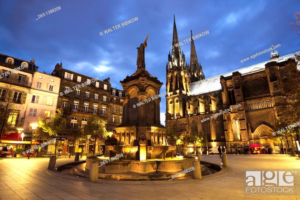Stock Photo: France, Puy-de-Dome Department, Auvergne Region, Clermont-Ferrand, Place de la Victoire, Cathedrale-Notre-Dame, evening.