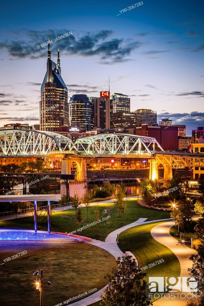Stock Photo: Twilight over Cumberland Park and downtown Nashville Tennessee, USA.