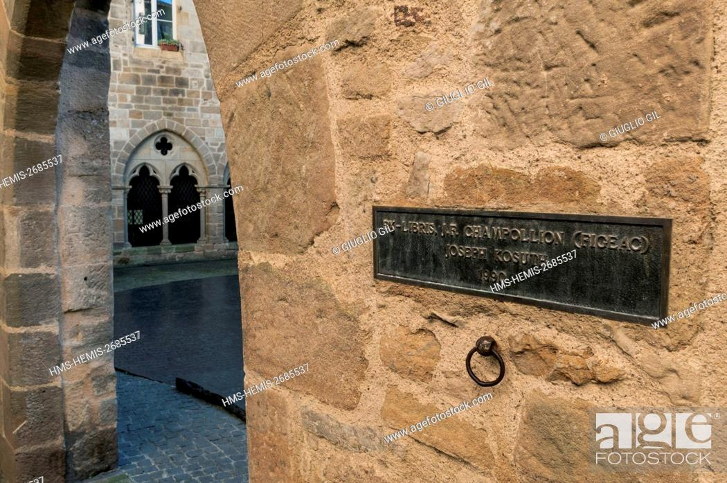 Stock Photo: France, Lot, Figeac, old town.