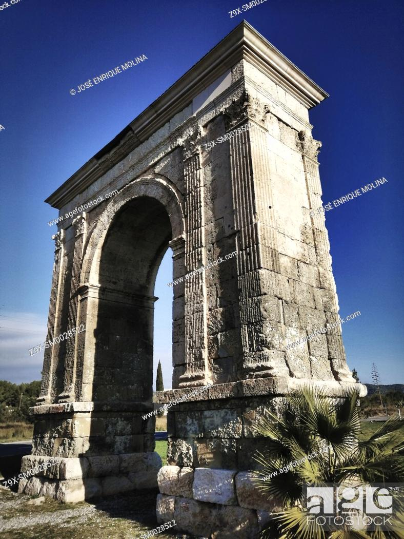 Stock Photo: Roman arch of Bará, Tarraco, Catalonia, Spain, Europe.