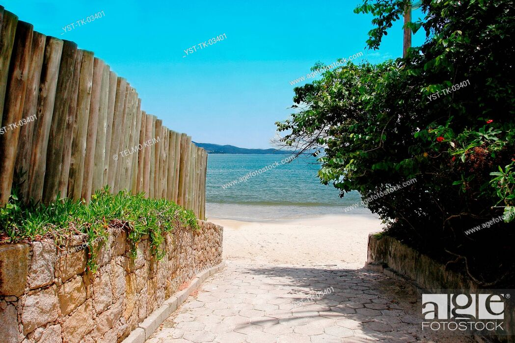 Stock Photo: Beach, sea, ocean, sand, coastline, Jurere, Florianópolis, Brazil.