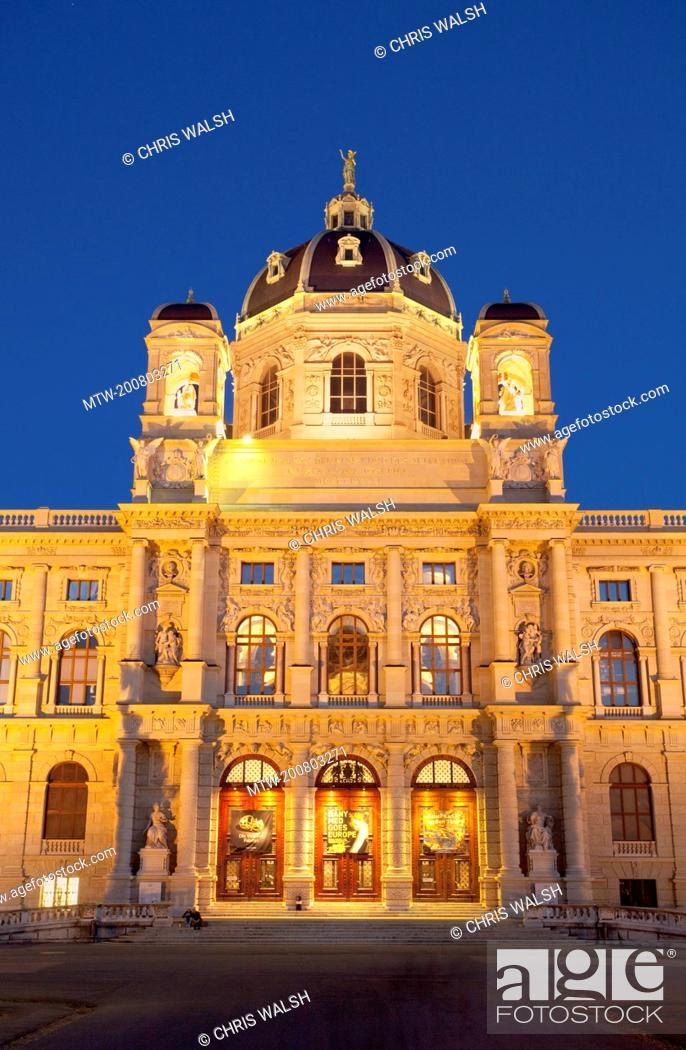 Stock Photo: Vienna natural history museum night illuminated.