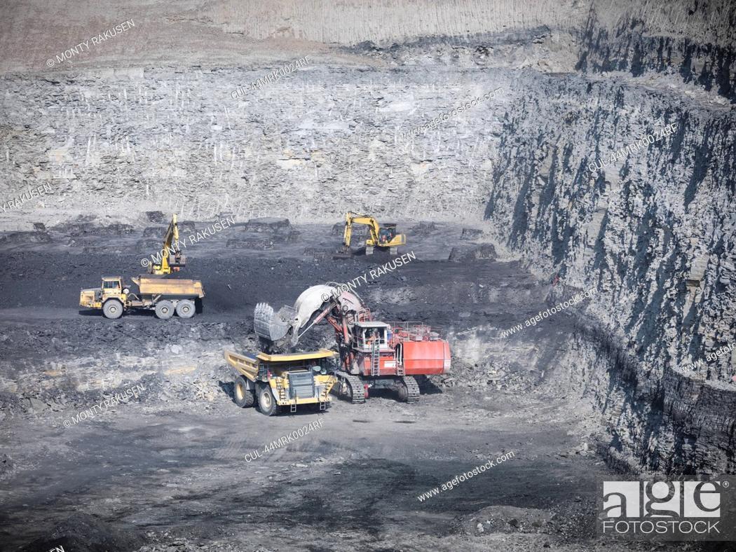 Stock Photo: Construction work in coal mine.