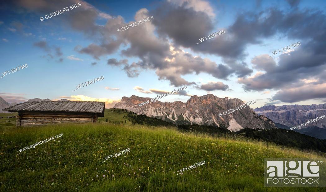 Imagen: Mountain landscape, Dolomites, South Tyrol, Italy.