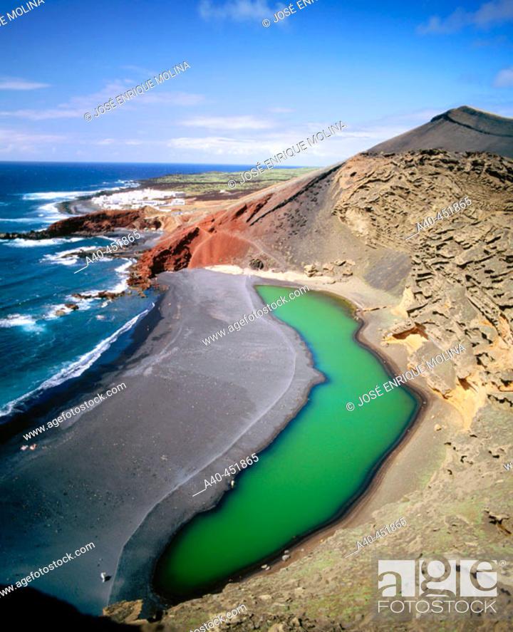 Stock Photo: 'El Golfo' green Lagoon. Volcanic beaches. Parque Nacional de Timanfaya. Lanzarote. Canary Islands. Spain.
