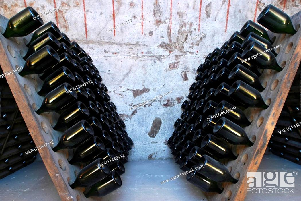 Stock Photo: bottles, wine, wine bottles, rows, shelves, array.