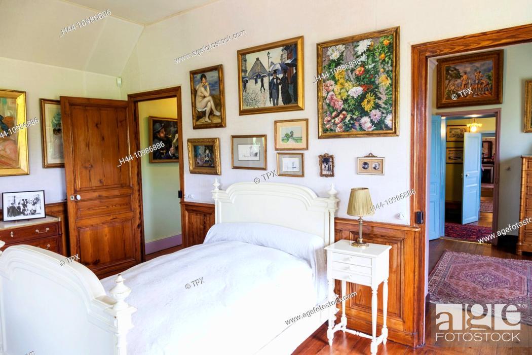 Stock Photo: France, Normandy, Giverny, Monets Garden, Monet's House, Monet's Bedroom.
