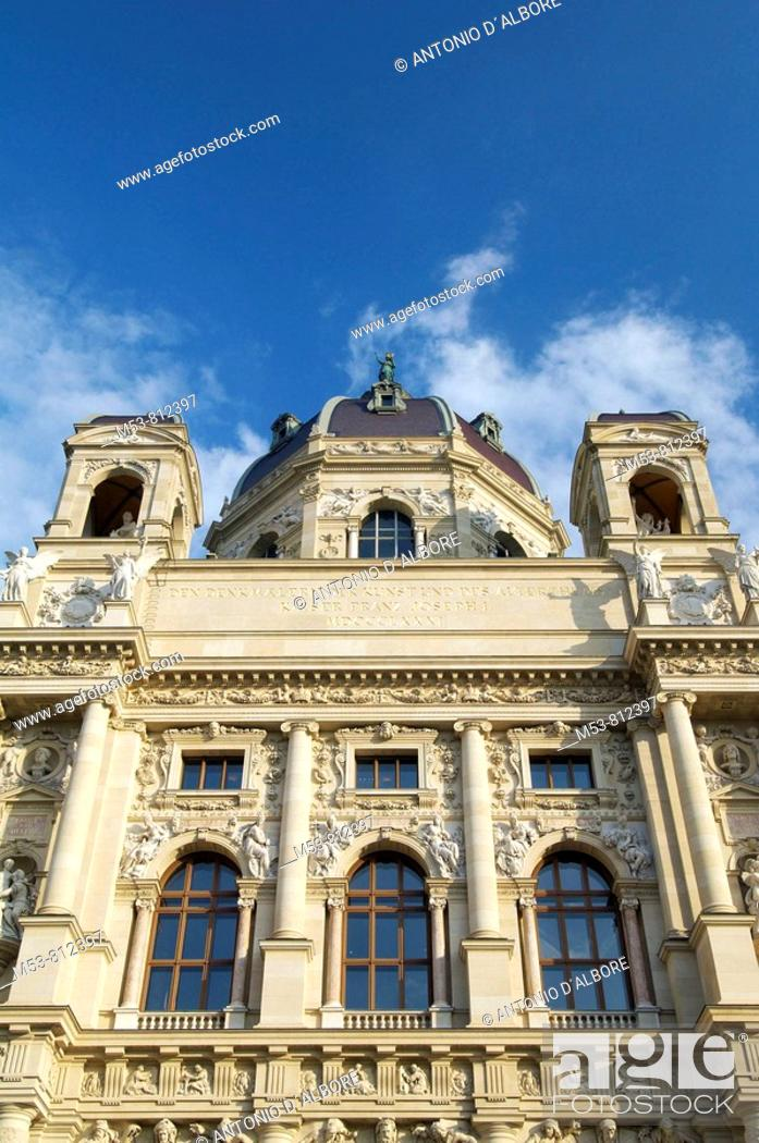 Stock Photo: the facade of the kunsthistorisches museum in hofburg complex  vienna  austria  europe.