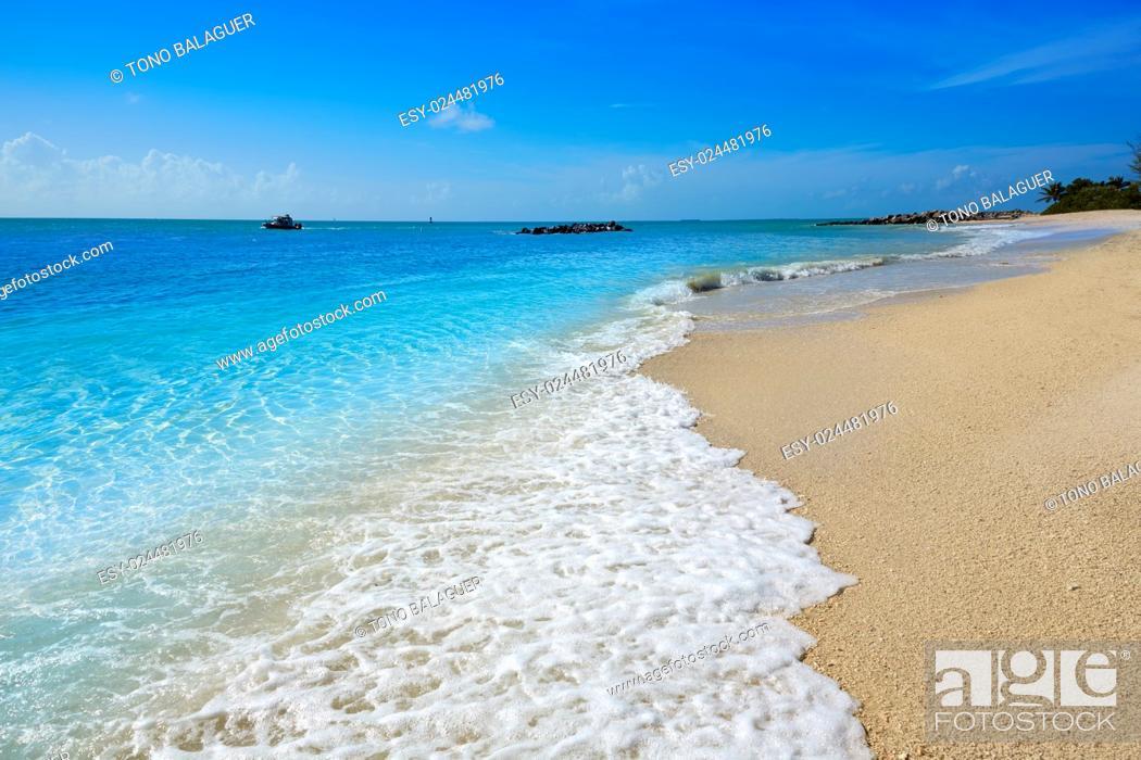 Photo de stock: Key West beach Fort Zachary Taylor Park in Florida USA.