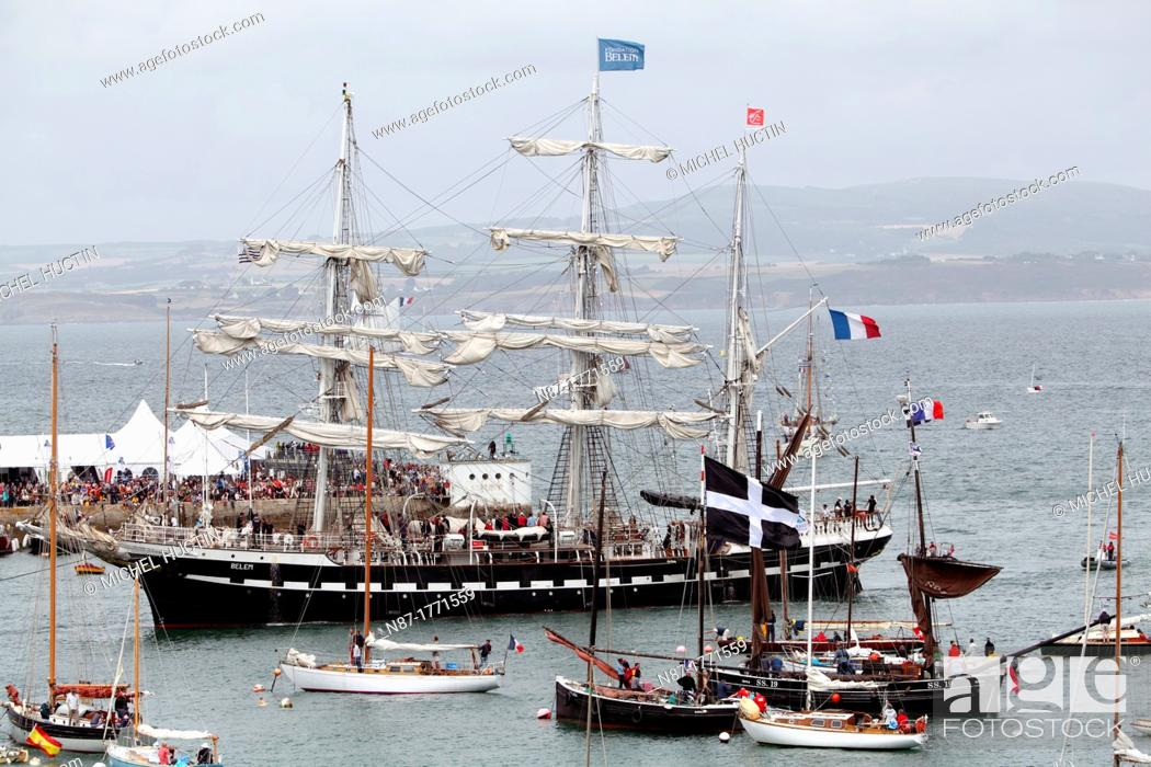 Stock Photo: French three masted yacht BELEM entering in the harbor of Douarnenez, Bretagne, France.