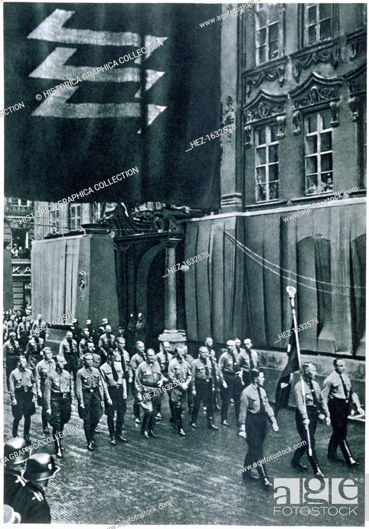 Stock Photo: Hitler and Goering leading a rally through Munich on Martyrs' Day, 9th November, 1935. From Deutsche Gedenkhalle: Das Neue Deutschland compiled by General Von.