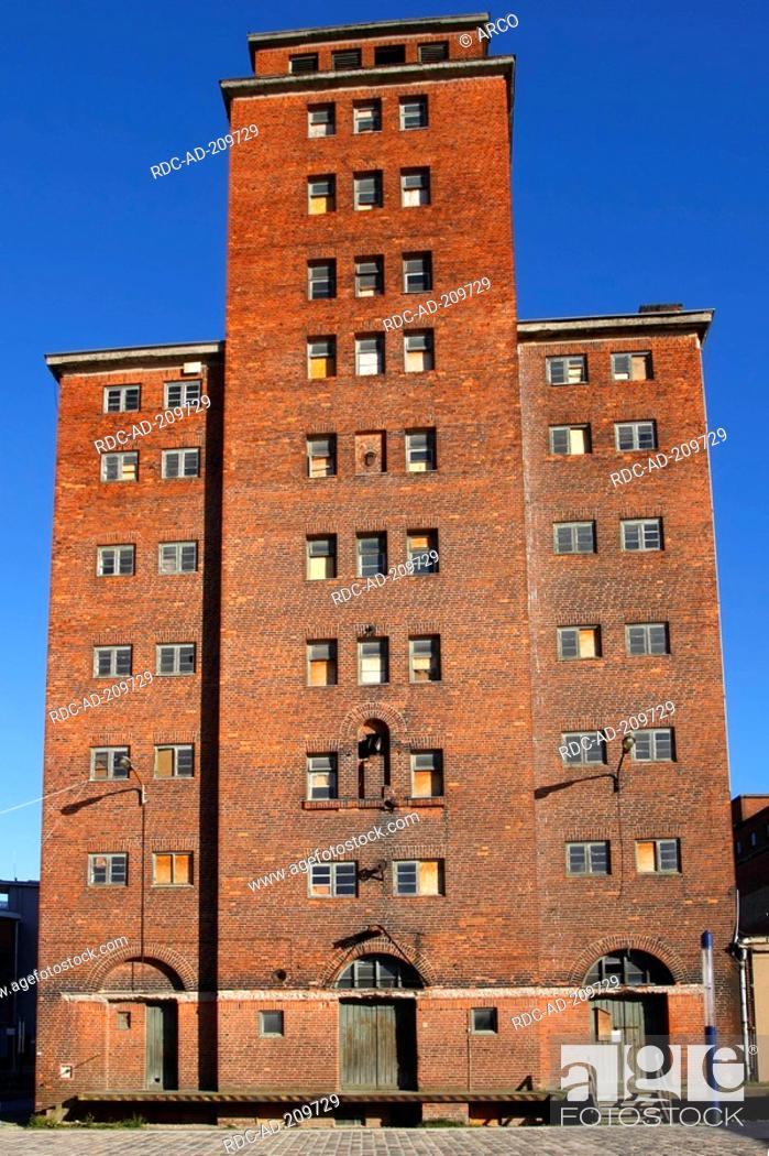 Stock Photo: Old reservoir house, old town, Wismar, Mecklenburg-Western Pommerania, Germany, storehouse.