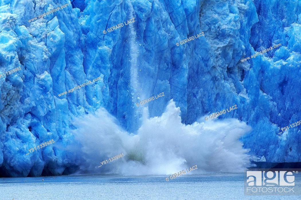 Stock Photo: GLACIER IN ALASKA, CONCEPT OF GLOBAL WARMING.