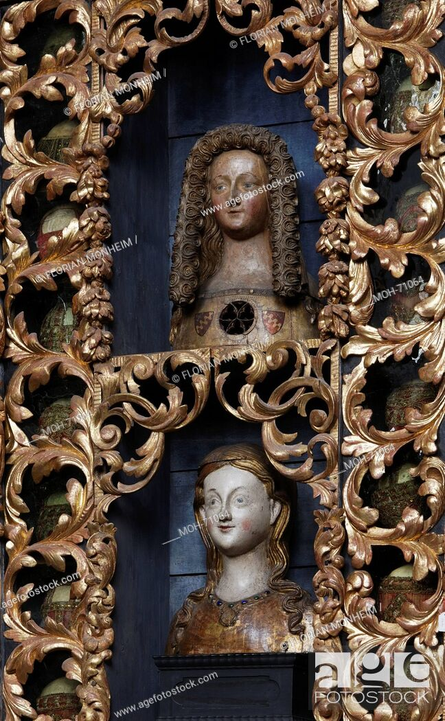 Imagen: Goldene Kammer mit Reliquienbehältern nach der Restaurierung mit historischer Farbfassung blau, Nordwand.