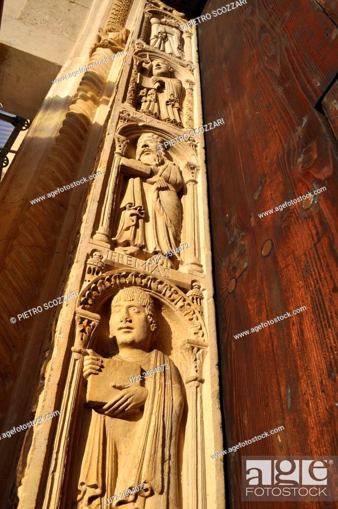 Stock Photo: Modena, Italy, bas-relief on the Cathedrals façade.