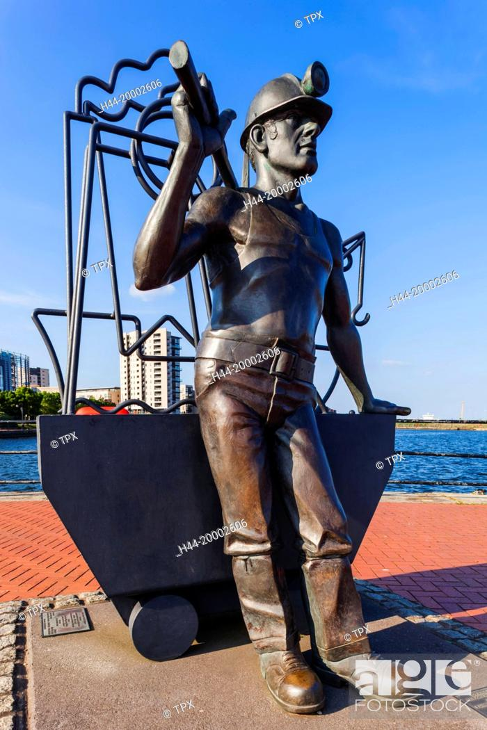 Stock Photo: Wales, Cardiff, Cardiff Bay, Sculpture titled From Pitt to Port by John Clinch Arca.