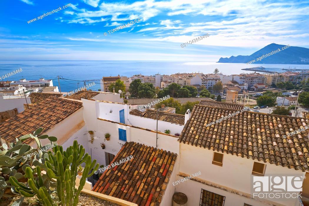 Imagen: Altea white village skyline in Alicante at Mediterranean Spain.