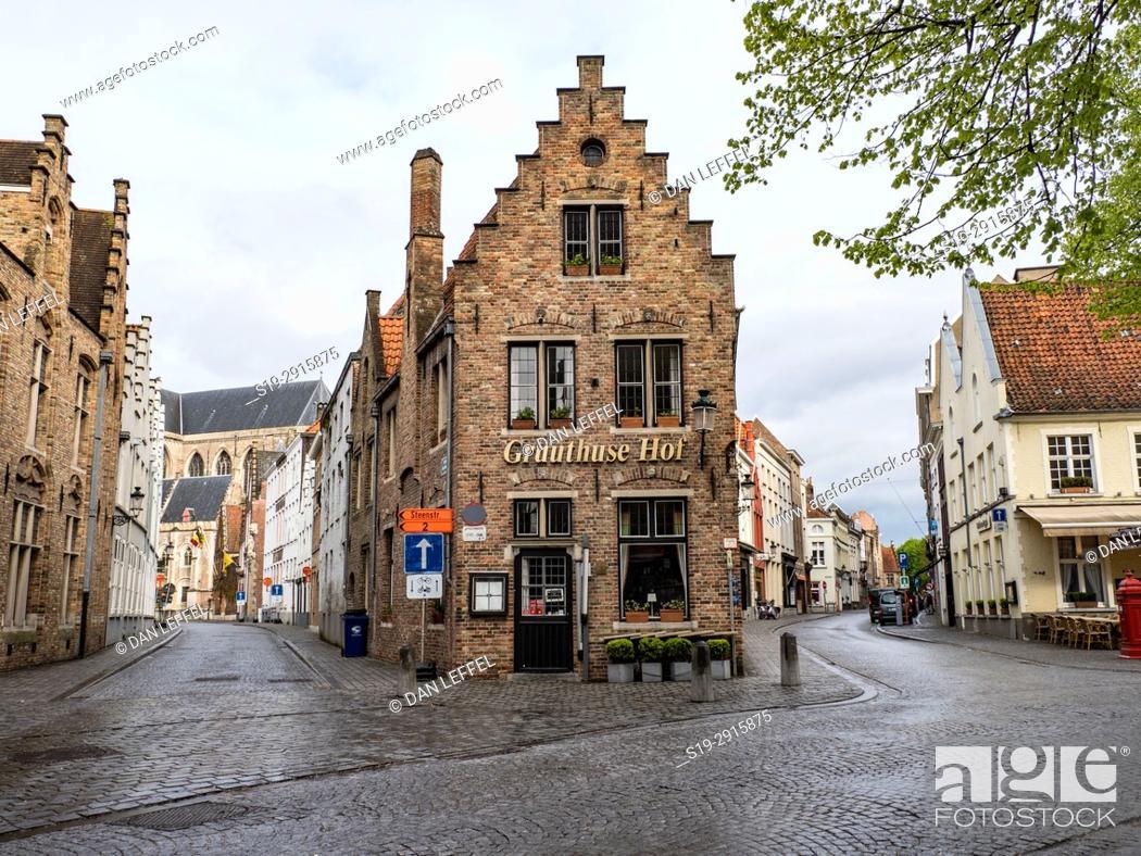 Imagen: Bruges Belgium Street Scene.