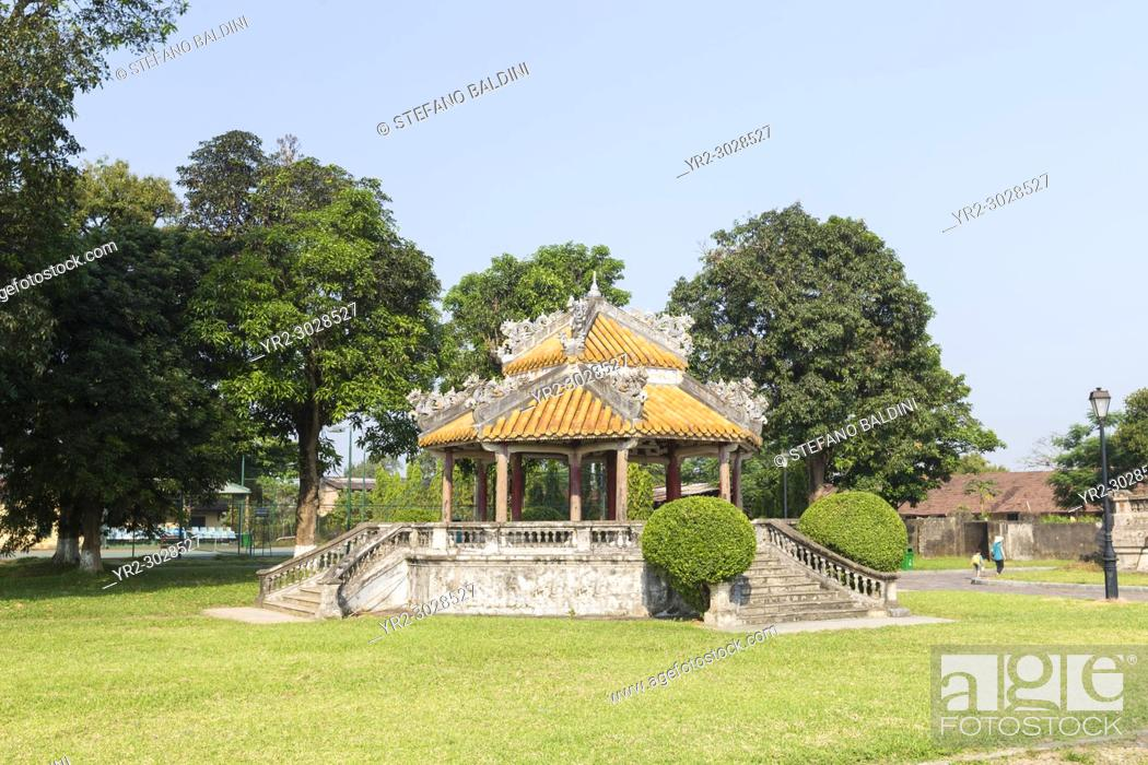 Imagen: Pavilion in the Imperial City, also know as the Citadel, Hue, Vietnam.