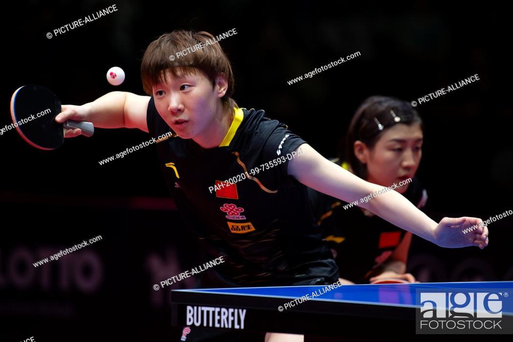 Imagen: 01 February 2020, Saxony-Anhalt, Magdeburg: Table tennis: German Open, women, doubles, final, Chen/Wang (China) - Hirano/Ishikawa (Japan).
