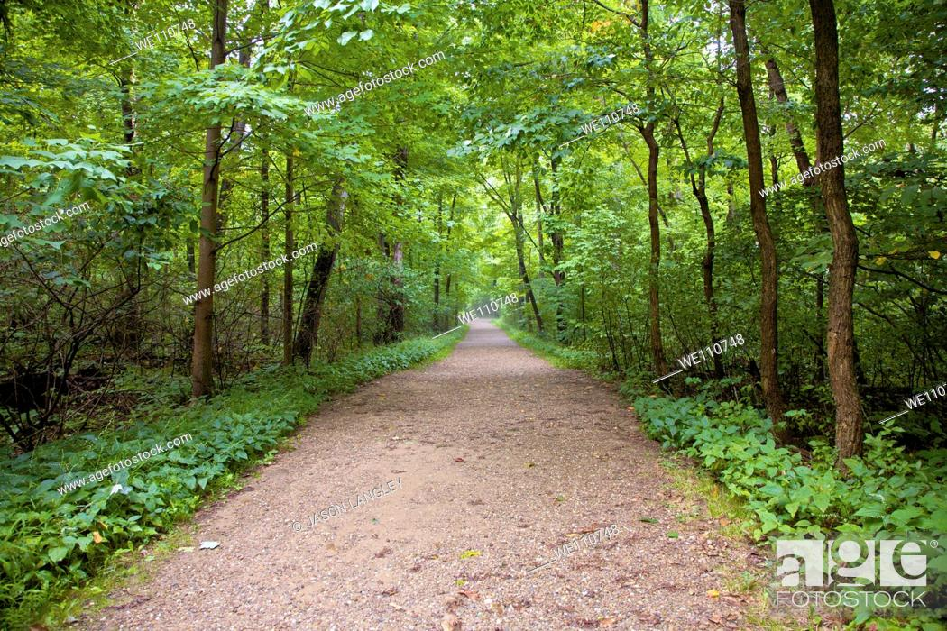 Stock Photo: Trail through Cuyahoga Valley National Park, Cleveland, Ohio, USA.