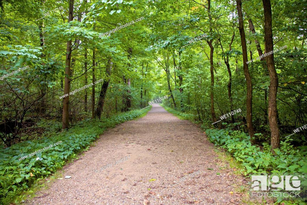 Stock Photo: Trail through Cuyahoga Valley National Park, Cleveland, Ohio, USA.