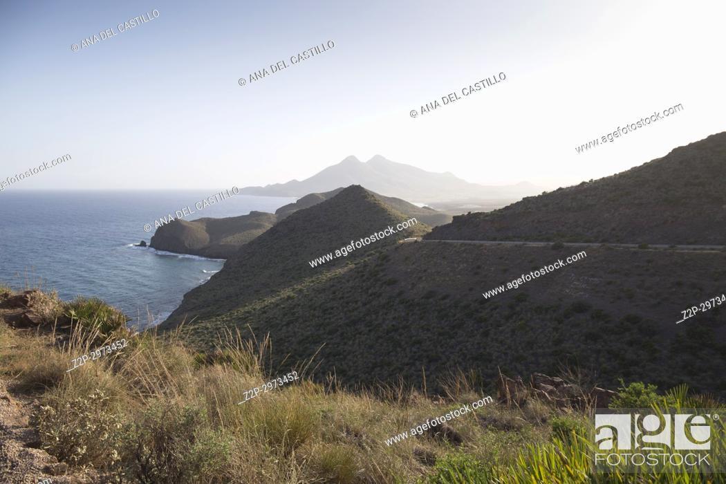 Imagen: Panorama from Amatista lookout Cabo de Gata nature reserve, Almeria, Spain.