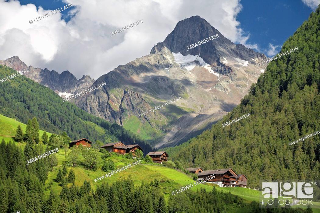 Imagen: Austria, Tyrol, Kals (village), Unterlesach with Glödis.