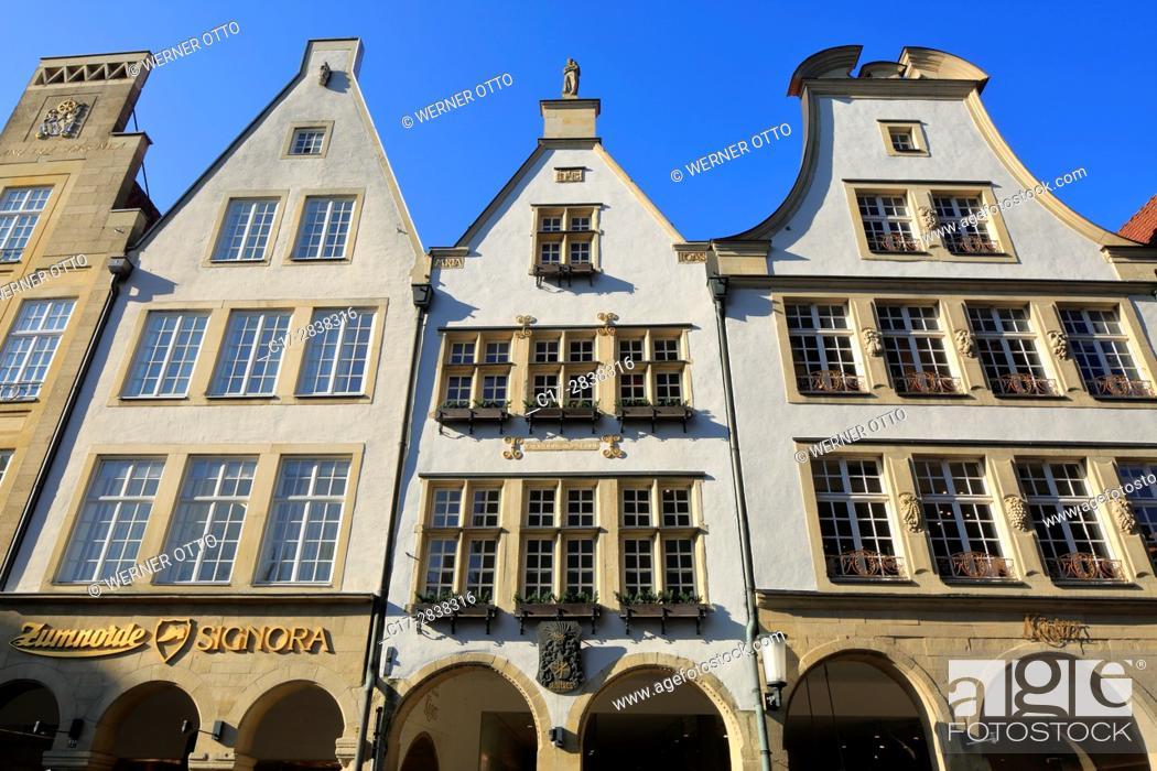 Stock Photo: Germany, Muenster, Westphalia, Muensterland, North Rhine-Westphalia, NRW, Prinzipalmarkt, gabled houses, pediments, arcades.