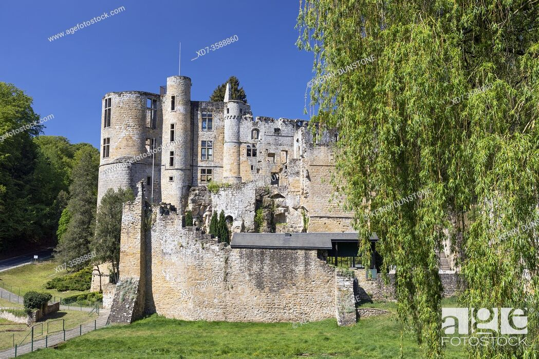 Stock Photo: Europe, Luxembourg, Grevenmacher, Beaufort Castle.