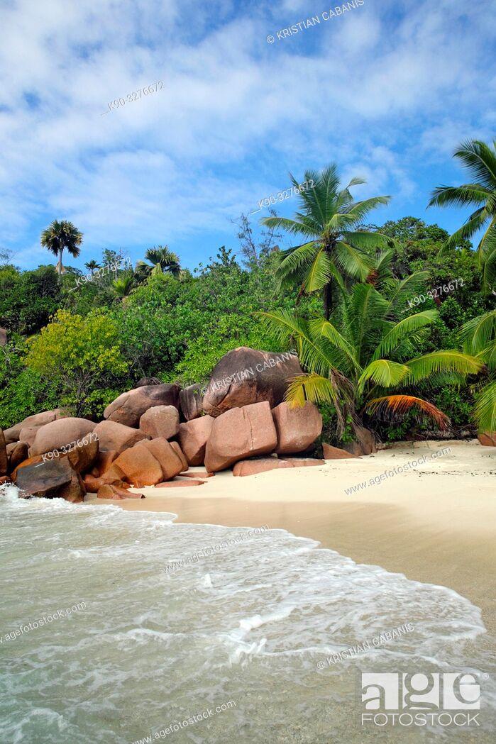 Stock Photo: Beach on La Digue, Seychelles, Indian Ocean, Africa.