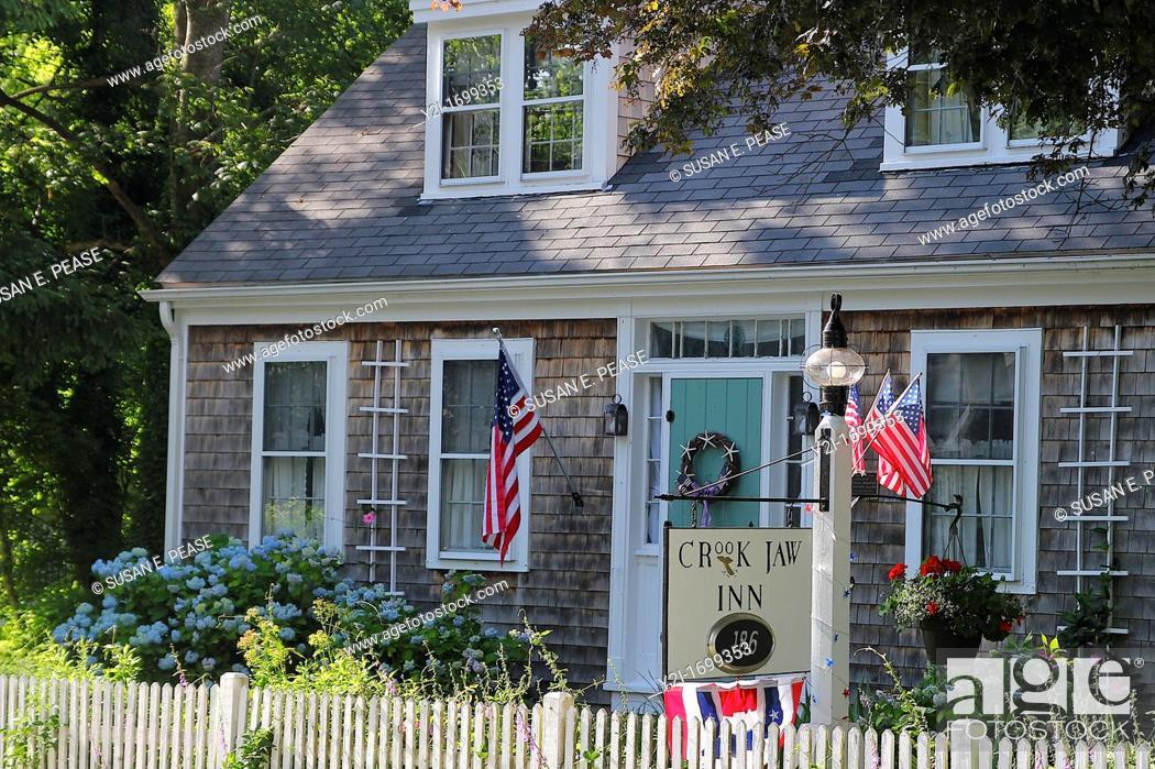 Stock Photo: The Crook Jaw Inn, Yarmouth Port, Cape Cod, Massachusetts, United States.