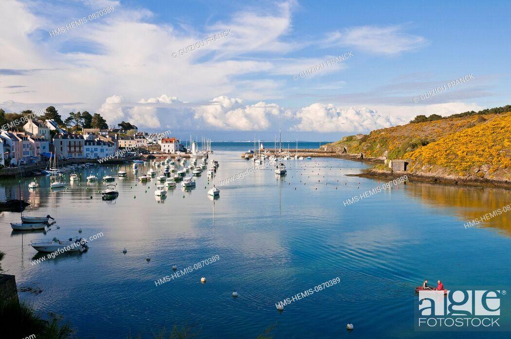Stock Photo: France, Morbihan, Belle Ile en Mer, along the GR340 between Le Palais and the Pointe des Poulains, Sauzon harbour.
