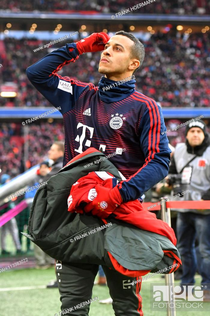 Thiago ALCANTARA (FCB) is on the lookouts, reserve bench