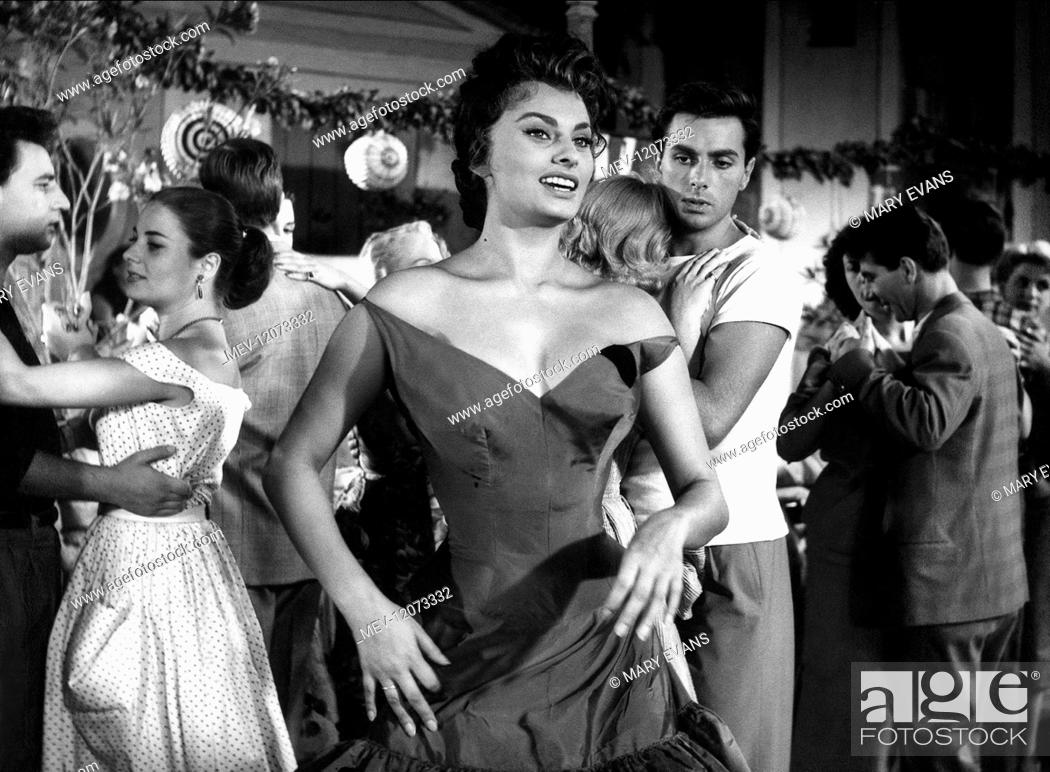 Sophia Loren Characters Donna Sofia A Smargiassa Film Scandal In Sorrento Pane Amore E Stock Photo Picture And Rights Managed Image Pic Mev 12073332 Agefotostock