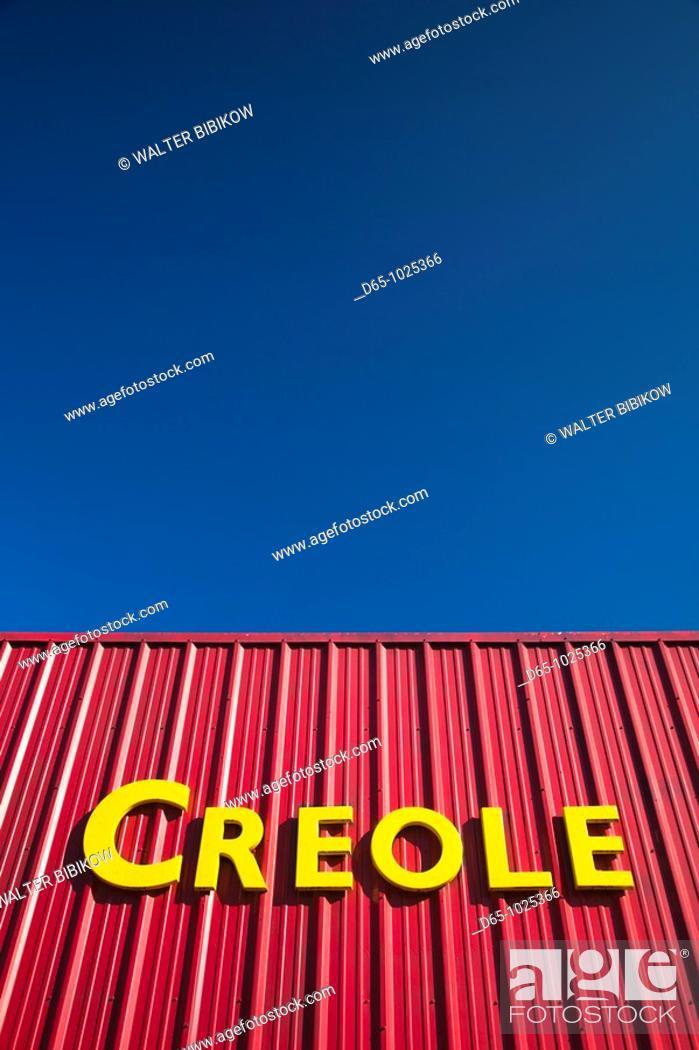 Stock Photo: USA, Louisiana, Cajun Country, Henderson, Creole Zydeco Music Club, sign.