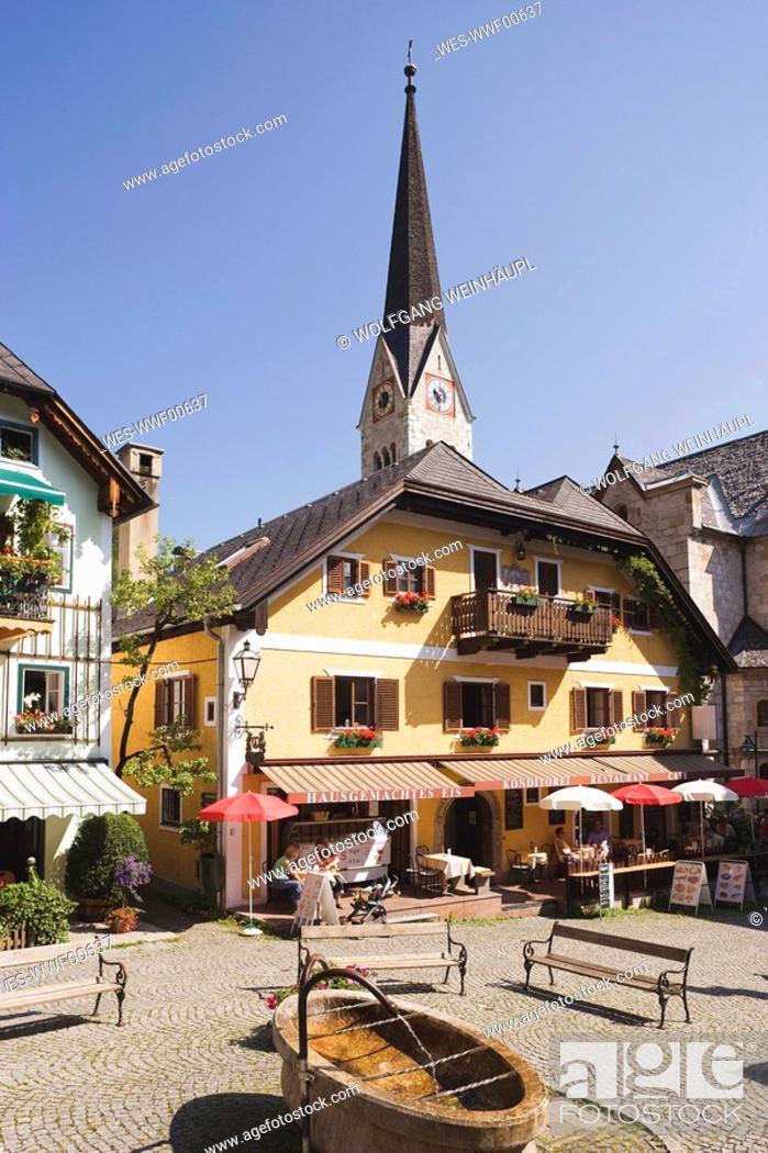Stock Photo: Austria, Salzkammergut, Hallstatt, Marketplace.