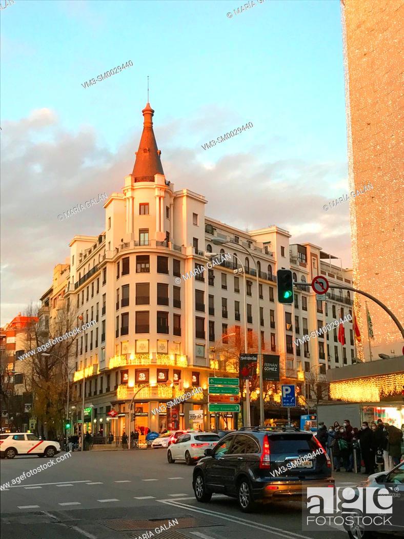 Stock Photo: Narvaez street in CHristmas time. Madrid, Spain.