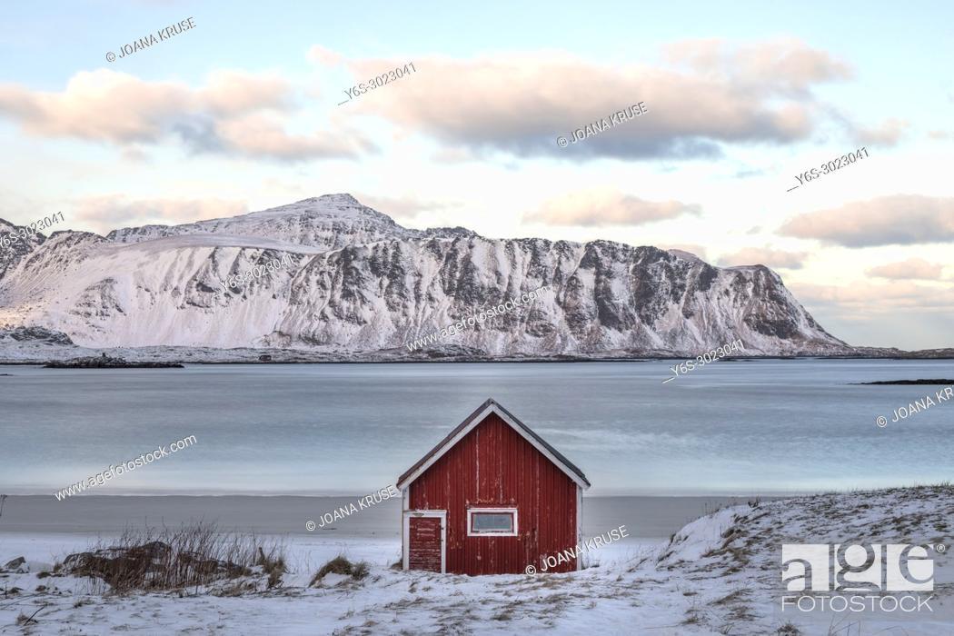 Imagen: Sund, Ramberg, Leknes, Lofoten; Norway; Europe;.