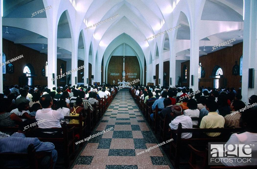 Stock Photo: Mauritius, Port-Louis, cathedral, sunday mass.