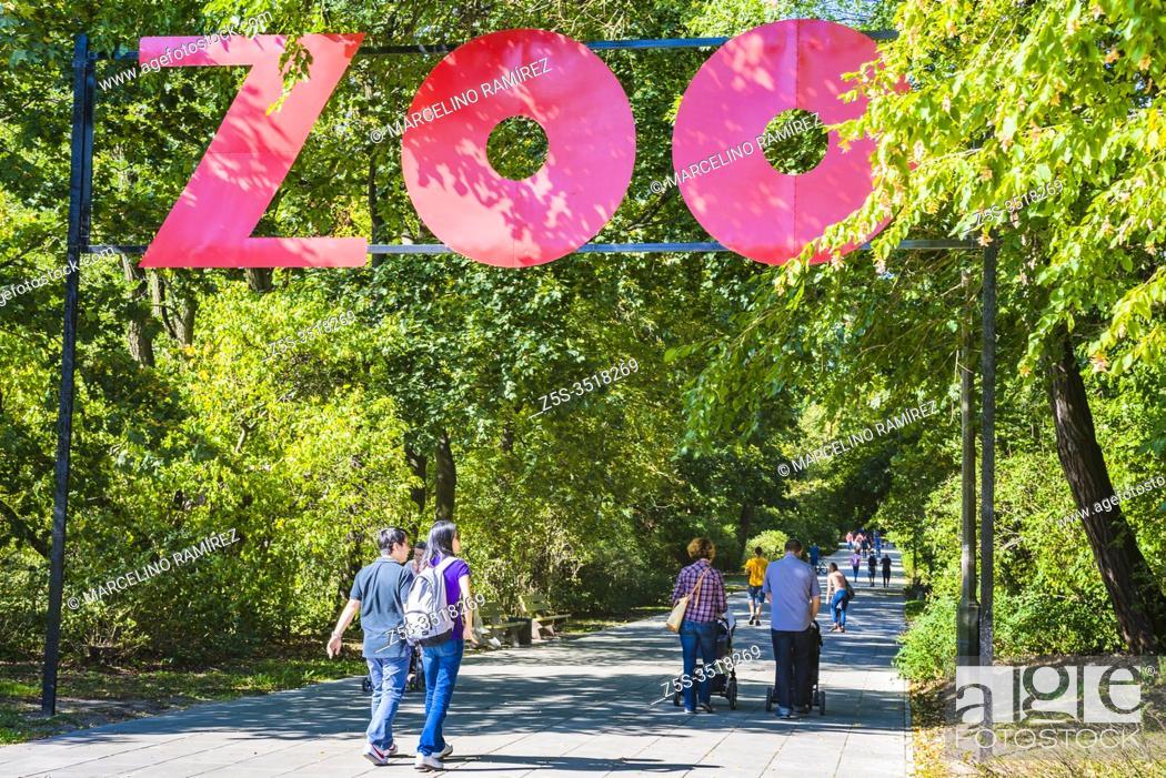 Stock Photo: Road to the zoo. Plac Zabaw w Parku Praskim - Park Praski. Warsaw, Poland, Europe.