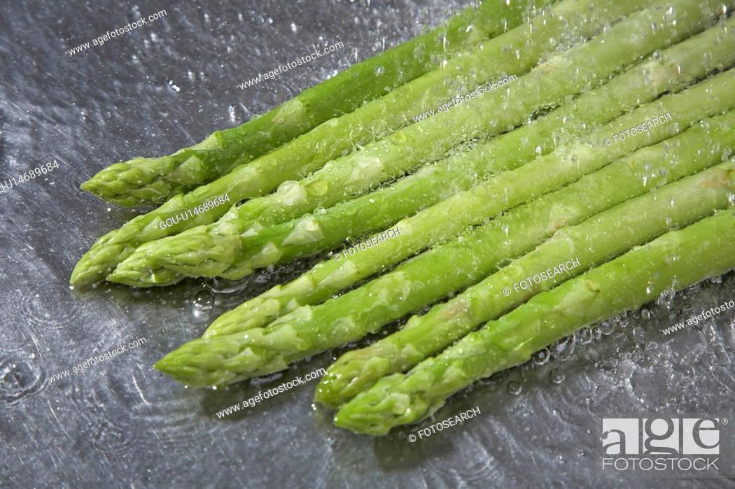Stock Photo: Asparagus spears.