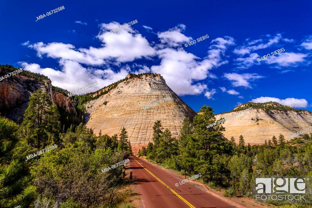Stock Photo: The USA, Utah, Washington county, Springdale, Zion National Park, part of town, Zion - Mount Carmel Highway, Checkerboard Mesa.