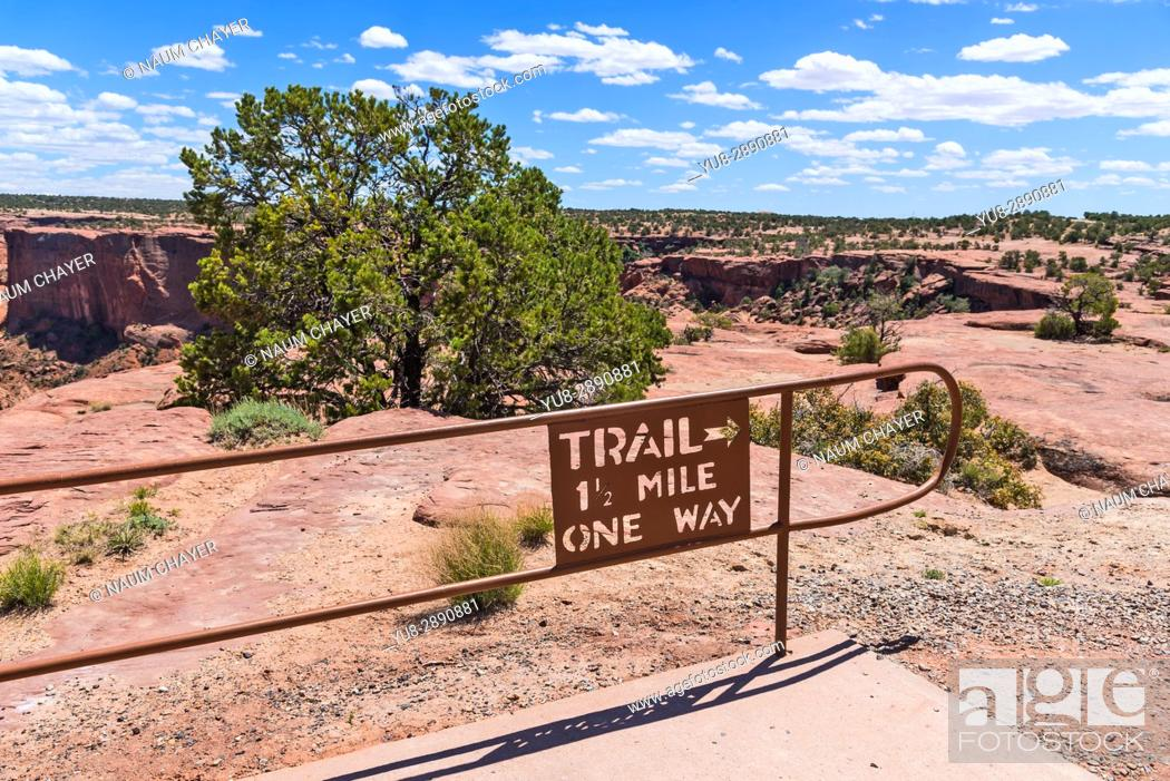 Stock Photo: Trail sign, Canyon de Chelly National Monument , Arizona, USA.