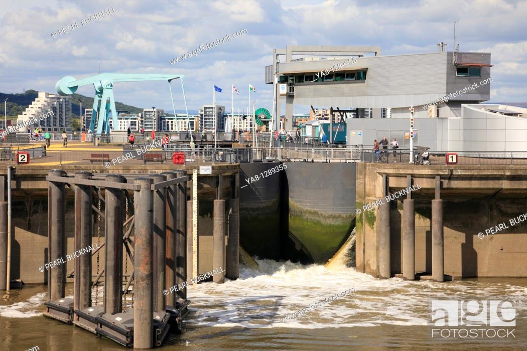 Stock Photo: Cardiff Bay Bae Caerdydd, Glamorgan, South Wales, UK, Europe  Cardiff Barrage lock gates opening on seaward side.