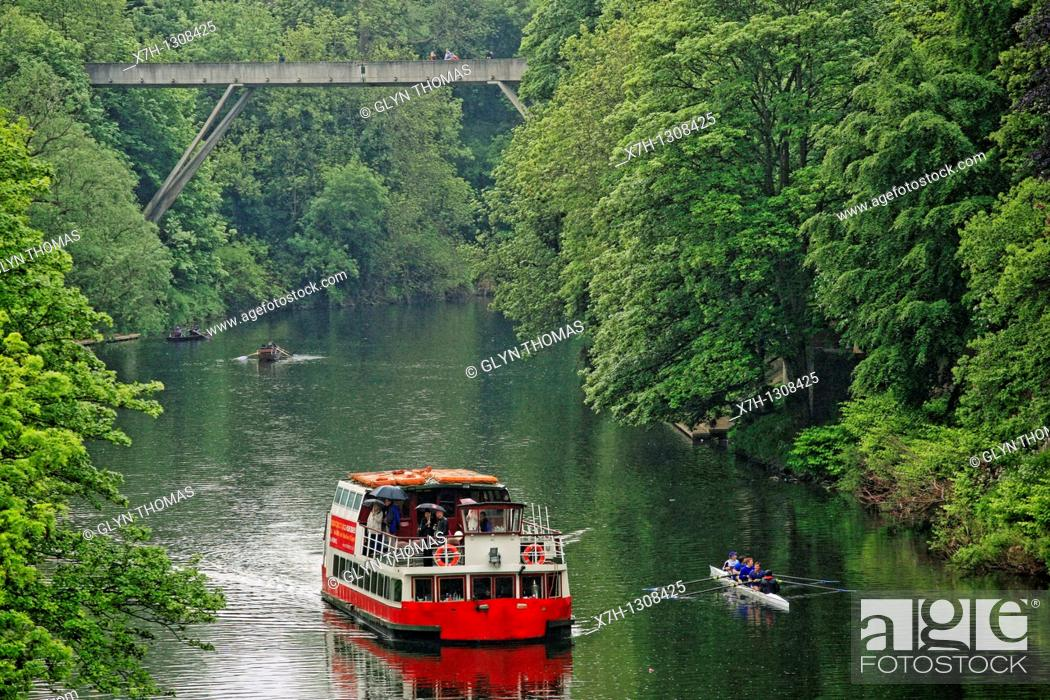 Stock Photo: Prince Bishop boat on the River Wear, Durham, England.