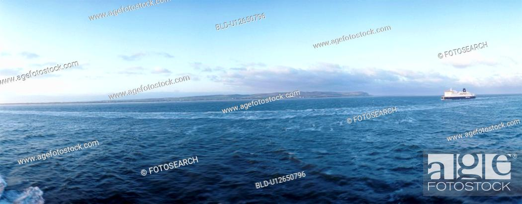Stock Photo: background, blue, christoph, geography, horizon, more water.