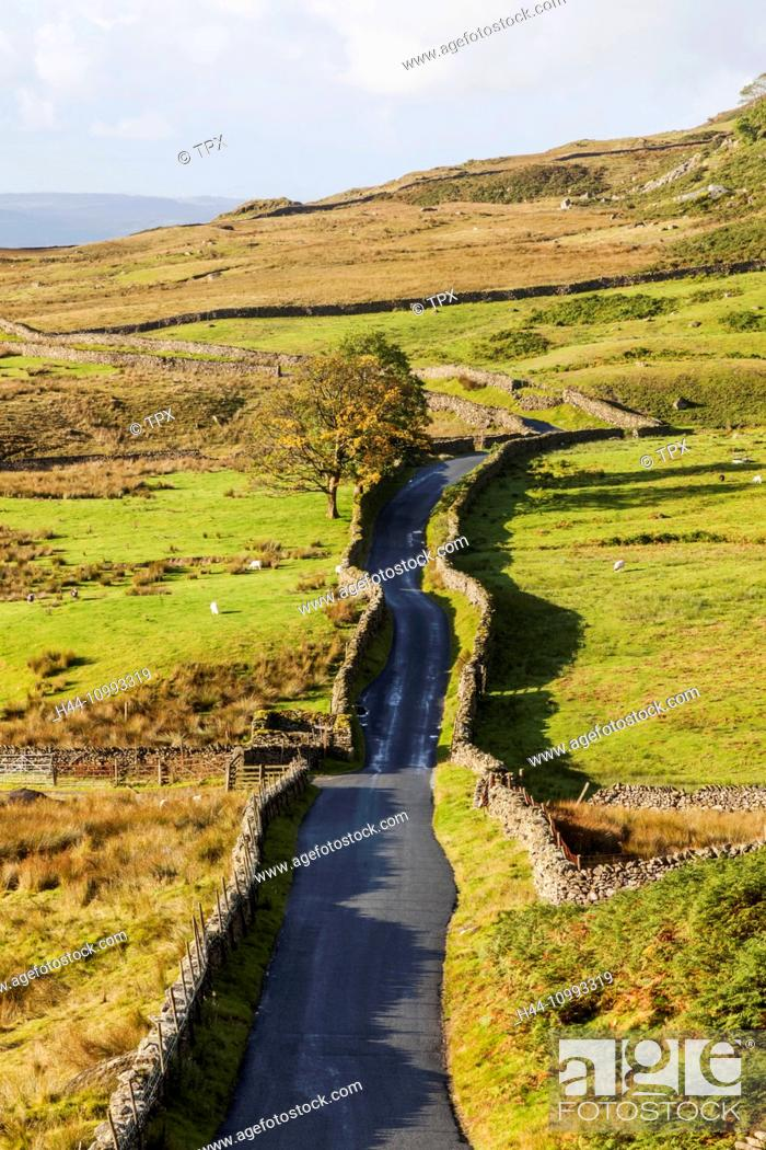 Stock Photo: England, Cumbria, Lake District, Kirkstone Pass, The Struggle Road to Ambleside.