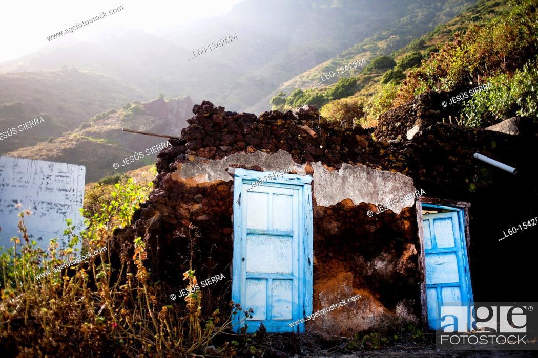 Stock Photo: Doors in Sabinosa, El Hierro, Canary Islands, Spain.